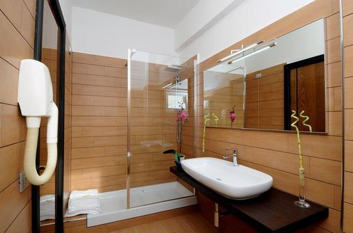 羅馬機場歐洲之家酒店 - 菲米西諾 - 菲烏米奇諾 - 浴室