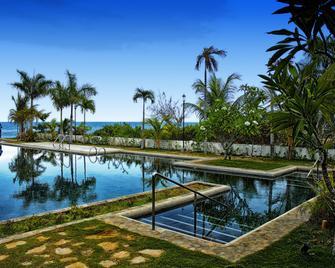 Bravo Resorts - Munting Paraiso - Dauin - Pool
