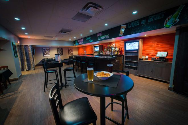 Best Western North Bay Hotel & Conference Centre - North Bay - Bar