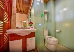 Dali Wangfu Hotel - Dali - Bathroom