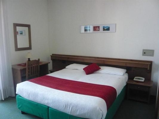 Hotel Cadria - Riva del Garda - Bedroom