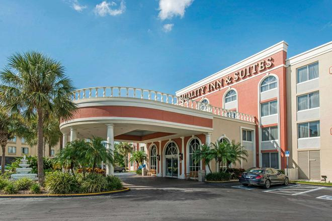 Quality Inn and Suites - Orlando - Edificio