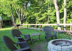 Inn 32 - North Woodstock - Uteplats