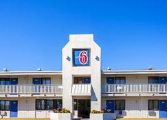 Motel 6 Bangor - Bangor - Κτίριο