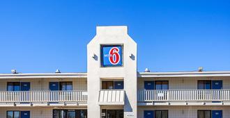 Motel 6 Bangor - בנגור