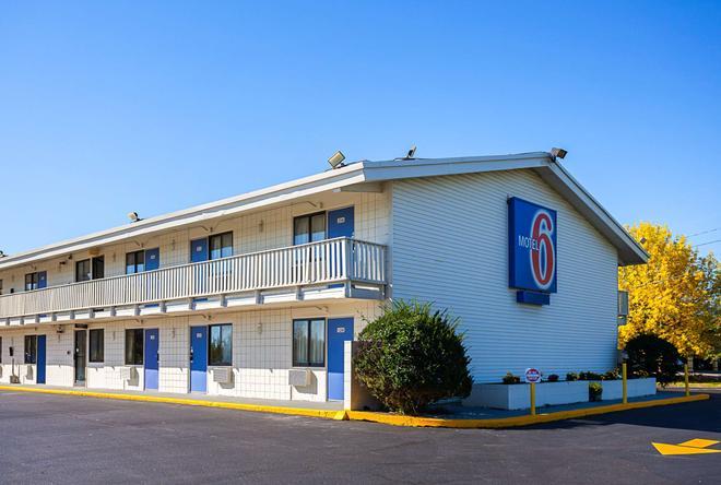 Motel 6 Bangor - Bangor - Rakennus