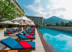 Ramada Phuket Deevana Patong - Patong - Pool