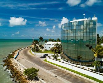 Radisson Fort George Hotel and Marina - Belize Stadt - Gebäude