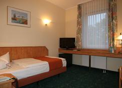 City Park Hotel - Frankfurt an der Oder - Bedroom