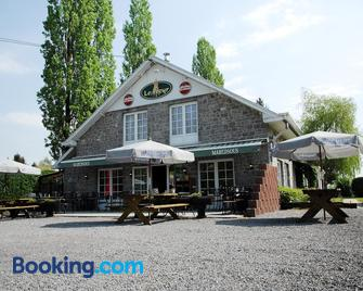 Auberge Grill Le Freyr - Dinant - Building