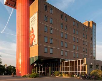 ibis Rotterdam Vlaardingen - Влардінген - Building