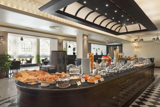 巴林華美達酒店 - 麥納麥 - 麥納麥 - 自助餐
