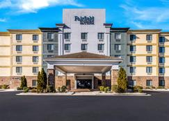 Fairfield by Marriott Inn & Suites Greensboro Coliseum Area - Грінсборо - Building