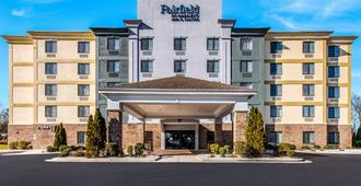 Fairfield by Marriott Inn & Suites Greensboro Coliseum Area - Greensboro - Bygning