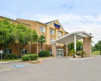 Fairfield Inn & Suites by Marriott Beaumont - Beaumont - Building