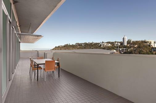 Adina Apartment Hotel Perth - Perth - Balcony