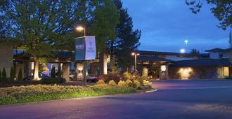 Valley River Inn - Eugene
