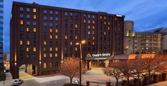 Days Inn by Wyndham Baltimore Inner Harbor - Baltimore - Bygning