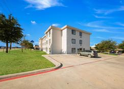 Motel 6 Decatur - Tx - Decatur - Building