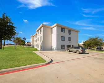 Motel 6 Decatur, TX - Decatur - Gebäude