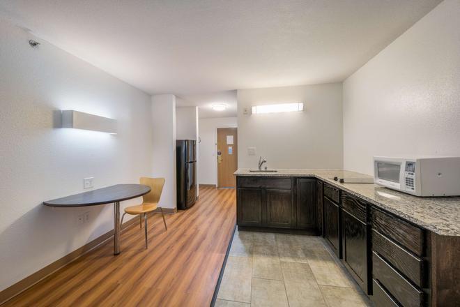 Motel 6 Decatur, TX - Decatur - Kitchen