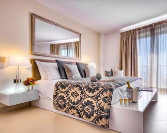 The Palace - Sliema - Bedroom
