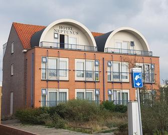 Hotel Neptunus - Egmond aan Zee - Building