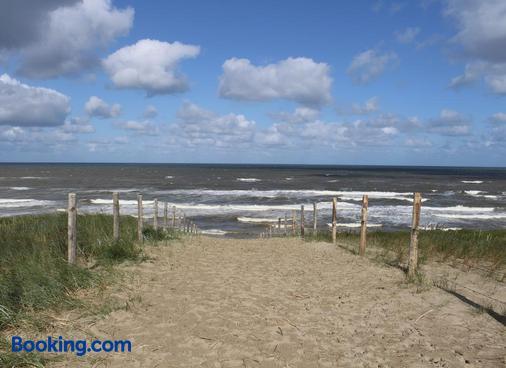 Hofje van Maas - Zandvoort - Beach