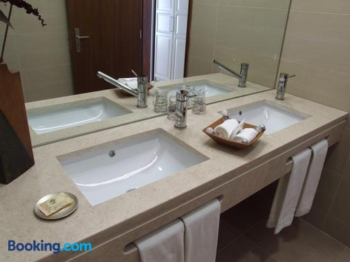 Casa Do Vale Hotel - Evora - Μπάνιο
