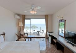 Best Western Okinawa Onna Beach - Okinawa - Bedroom