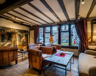 The Kings Arms Hotel - Amersham - Lounge