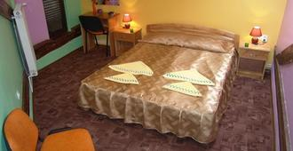 Pension Flamingo - Braşov - Bedroom