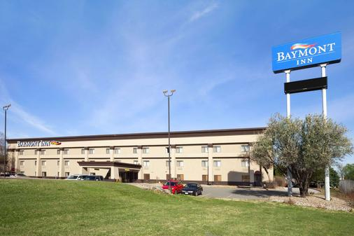 Baymont by Wyndham Sioux Falls Near West 41st Street - Sioux Falls - Building