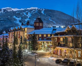 Delta Hotels by Marriott Whistler Village Suites - Вістлер - Building