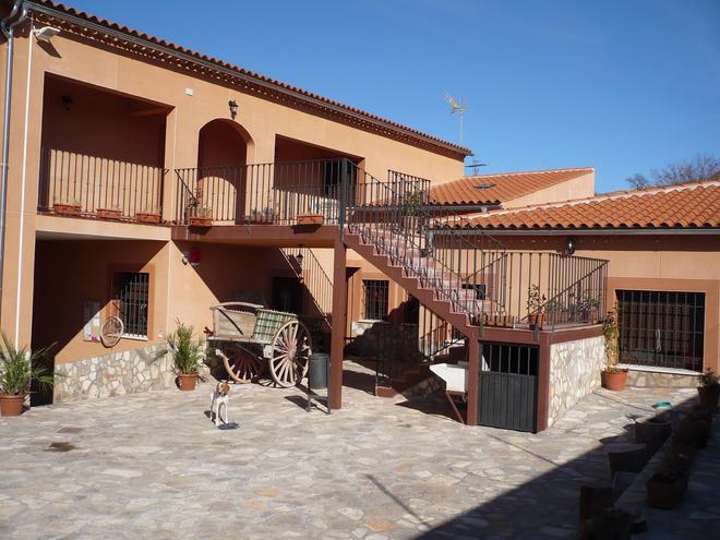 Albergue Serranilla - Villas de la Ventosa - Building