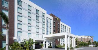 Home2 Suites by Hilton Ft. Lauderdale Airport-Cruise Port - Dania Beach