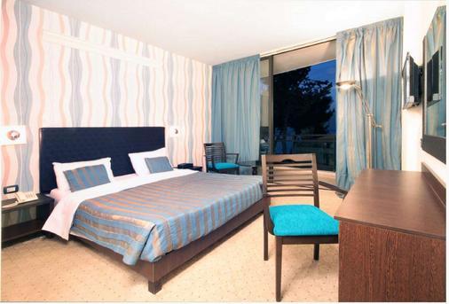 Bayinn Hotel - Jounieh - Bedroom