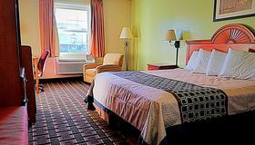 Knights Inn & Suites Near University of Richmond - Richmond - Bedroom