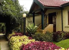 Fortune Resort Sullivan Court-Member Itc Hotel Group - Ooty - Outdoor view