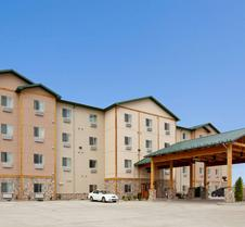 Hawthorn Suites by Wyndham Minot
