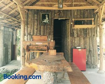 Black Lava Hostel and Lodge - Kintamani - Building