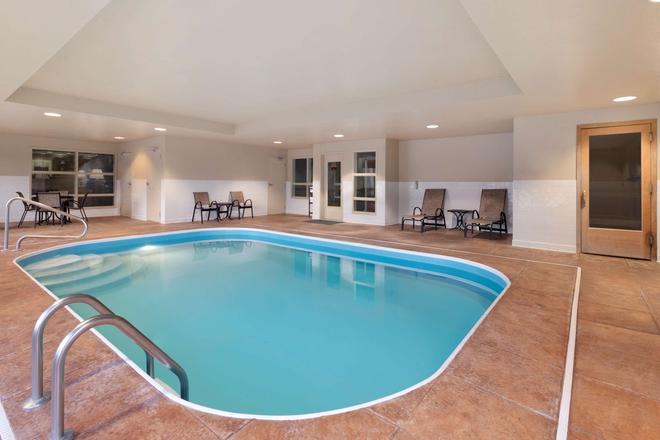 Country Inn & Suites by Radisson, Dayton South, OH - Dayton - Pool