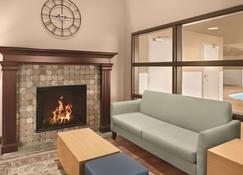 Country Inn & Suites by Radisson, Dayton South, OH - Dayton - Living room