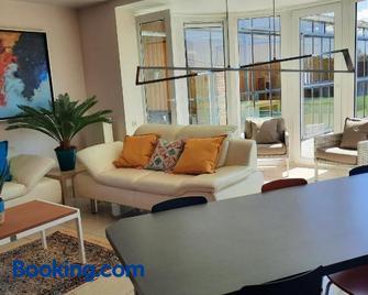 Holiday Home Mooi - Voeren - Voeren - Living room