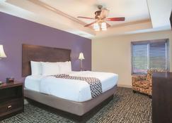 La Quinta Inn & Suites by Wyndham Fort Walton Beach - Fort Walton Beach - Bedroom