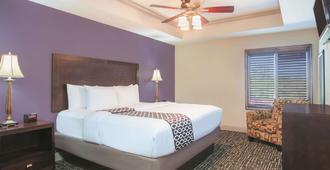La Quinta Inn & Suites by Wyndham Fort Walton Beach - Fort Walton Beach - Schlafzimmer