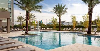 SpringHill Suites by Marriott Orlando at Millenia - Orlando - Pool