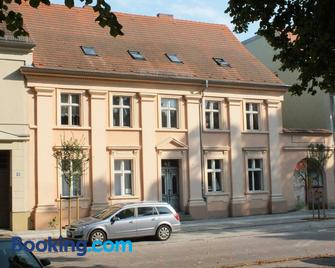 B&B Wagner - Neuruppin - Building