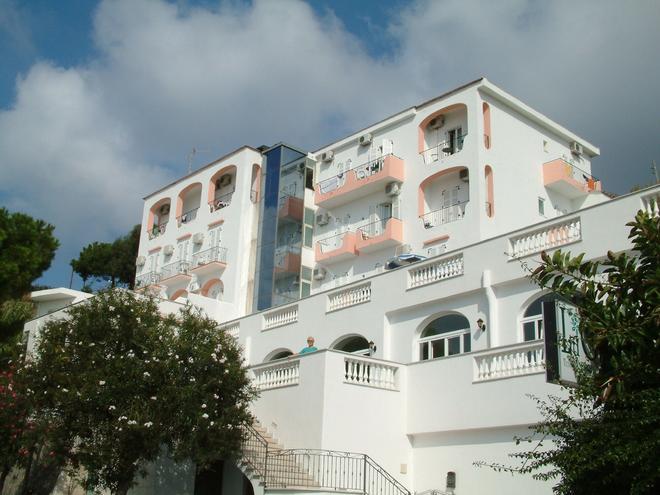 金奈斯特拉酒店 - 福利奧迪伊斯基亞 - 福利奧 - 建築