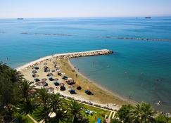 Crowne Plaza Limassol - Limassol - Plaża